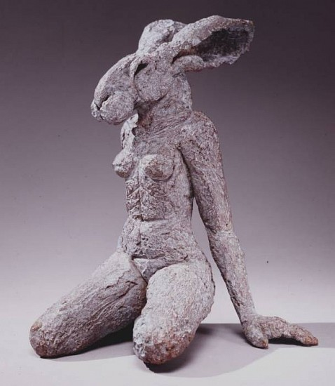 Sophie Ryder, Sitting Lady Hare 2001, Bronze